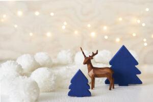 clio&fox brown deer blue trees